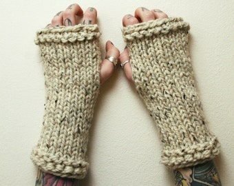 Super chunky knit fingerless gloves / arm warmers in cream / oatmeal