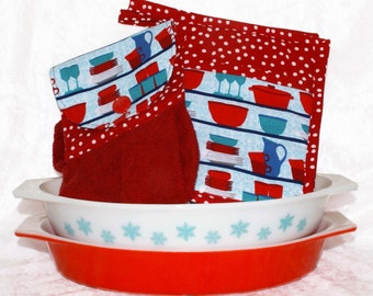 Retro Kitchen Decor • Hanging Hand Towel • 2 Pocket Pot Holders • Red and Aqua • Hot Pad • Hand Towel • Handmade Gifts For Her • 3 Piece Set