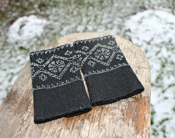 Arm Wrist Warmers Beaded, Black ArmWarmers, Handmade Beaded neutral color Wrist Warmers, Fingerless Gloves, Luxurious Cashmere Wool