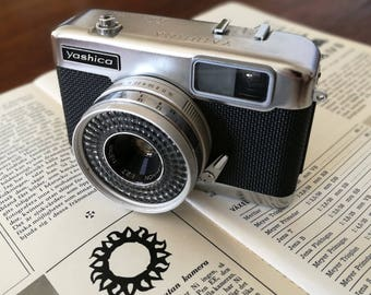 Yashica EZ-matic. Ready-To-Use Vintage 1960's 126-film Rangefinder Camera