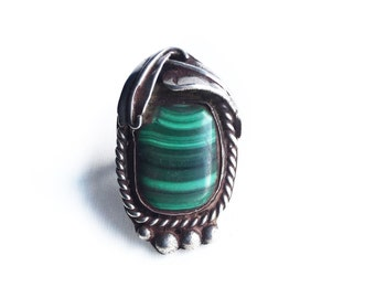 Vintage Sterling Silver Green Malachite Old Pawn Ring ~ Size 9.5 Native American Jewelry