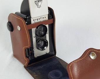 Early 50's Twin Lens Reflex Camera argoflex Seventy-five leather case Mid Century