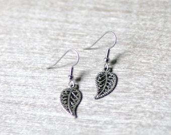 """Silver Leaves Earrings / Metal / 1"""" Hanging"""