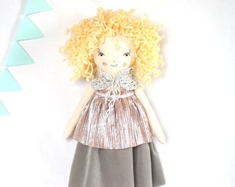 Curly cloth doll, rag dolls, blonde ooak doll, blonde ringlets fashionista, pastel linen doll, gift for her, collectible toys, doll maker