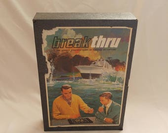1965 3M Break Thru Naval Strategy Board Game