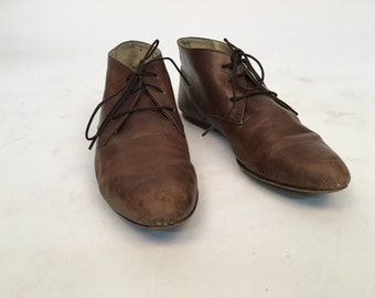 Size 7 Liz Claiborne brown leather lace up boots
