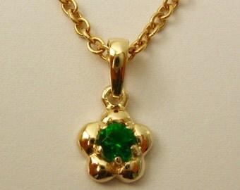 Solid 9ct Yellow Gold Birthstone Daisy Emerald Pendant