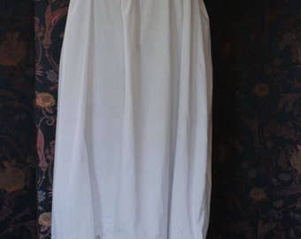 in 1930 embroidered white cotton Nightgown