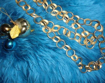 Neck Lace years 90 Spectacular/Multi-rangs/Golden rings/ 80cm