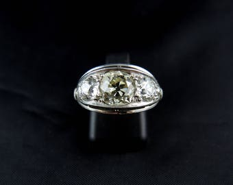 Platinum and diamonds - Circa 1930 Art Deco engagement ring / / / Art Deco engagement ring french in Platinum with diamonds - Circa 1930