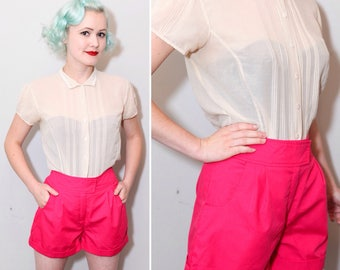 1960's Hot Pink High Waisted Cotton Shorts | Size Small