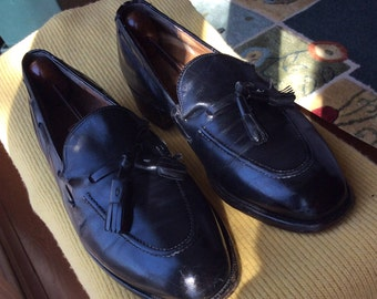 JOHNSTON and MURPHY Black Tasseled Loafers - Size 7D - Never Go Out of Style