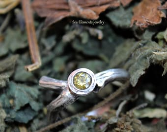 Peridot Twig Tree Branch Ring in Sterling Silver - Organic Natural Style ring