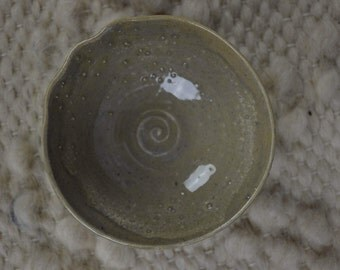 Grey lilac dish with dots stoneware for tea bags sauces jewelry