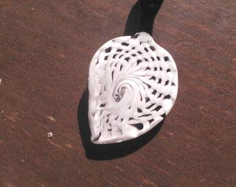White Lattice Pendant