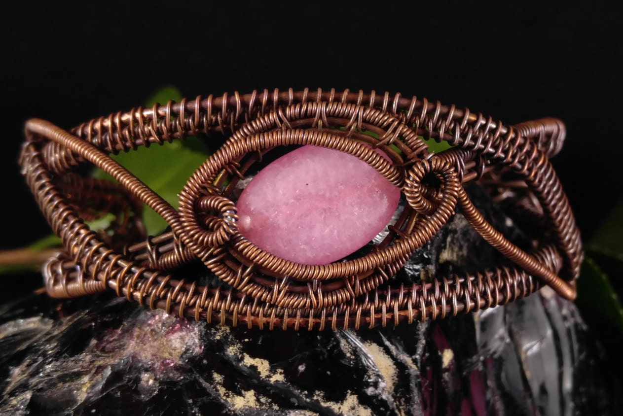 Handmade bracelet with pink quartzite in oxidized antique copper ...
