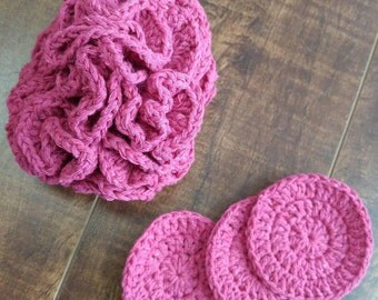 Shower puff and wipe to clean face makes hand crochet cotton