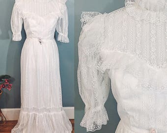Vintage 1970s Victorian Style Wedding Dress Size 2, 1970s White Lace Maxi Dress, 1970s Boho Chic Dress
