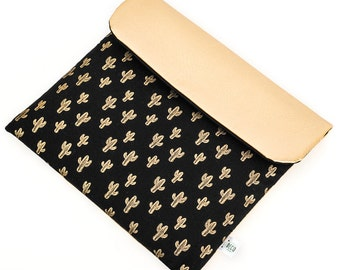 Travel pouch black and gold Cactus (diapers, wipes, bibs)