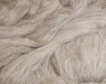Light Grey Herdwick  wool roving / tops - 50g. Great for wet felting / needle felting, and hand spinning projects.