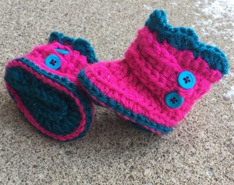 Crochet Baby Girl Booties (warm infant shoes, baby boots, baby girl, newborn, baby present)