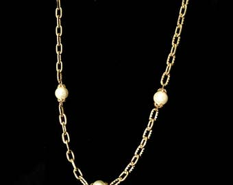 Mid-Century Pearl Chain Necklace        GJ2581
