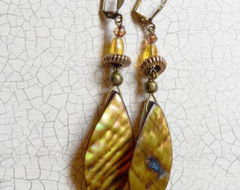 Earrings-long-pendant-yellow-gold-mustard-boho-bohemian-chic-ethnic-evening-graduation-prom-bal-mother of pearl-shinny-BO199