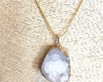 Natural agate crystal and gold pendant necklace
