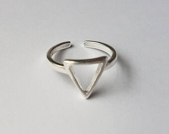 Triangle Ring | Silver Triangle Ring | Stacking Ring | Triangle Shaped Ring | Geometric Ring | Minimalist Ring | Adjustable Ring | Edgy Ring