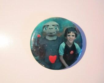 Vintage Rare E.T Pinback button
