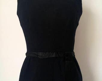 Original 1960s Vintage Black Mod/Wiggle Dress with Satin Belt