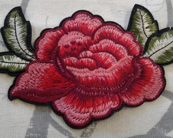 Red flower embroidered patches