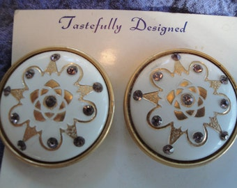 Vintage costume jewelry clip earrings -