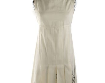 WHITE pleated dress painting