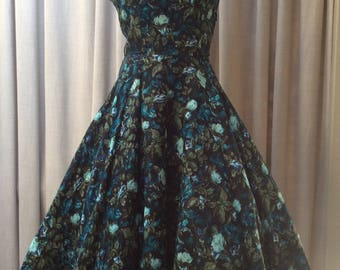 Stylish 1950's, abstract Rose print dress in a gorgeous ' smudgy ' blue colourway. UK Size 14 Vintage Fifties 50's