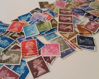 Queen Stamps Assorted Colors Used / Stamps Many Colors/Machins /UK Issued