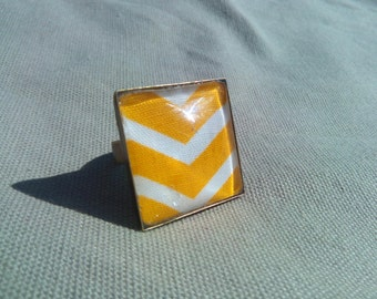 Striped yellow and white #BC4 ring