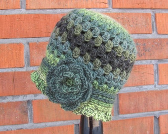 Women Crochet Cloche Hat made in 1920s style, Handmade Crochet Hat with Flower