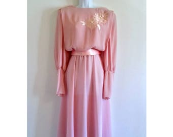 Vintage Pink Formal Dress Pearls 70s - Size M, Pearl Sleeves, Floral Details, Belted Long, Maxi Maxidress, Ursula of Switzerland Gown
