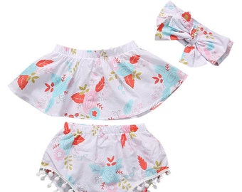 Baby girls 3 piece tube top and shorts with pompoms