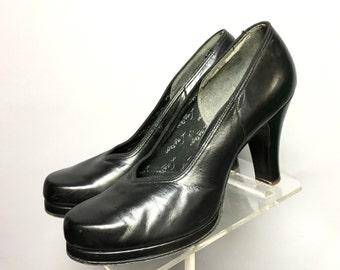 40s BISCUIT Toe Pumps / 1940's Black LEATHER Fetish Shoes / Vintage PLATFORM High Heels / size 7