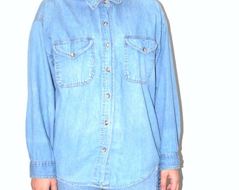 90s grunge chambray shirt 1990s vintage pale faded denim button up unisex oxford blouse medium