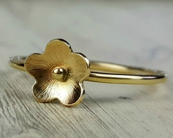 Gold flower ring, 9 carat gold stacking ring, yellow gold ring with small daisy flower, 9k gold floral jewellery, gift for women