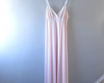 Vintage Nightgown - 1970s Pale Pink Nylon Gown Nightgown Embroidered M - Pink Nightgown