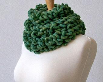 Green Scarf, Crochet Scarf, Knit Scarf, Chunky Scarf, Wool Scarf, Chunky Crochet Scarf, Winter Scarf, Long Scarf, Scarf Crochet, Loop Scarf