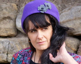 Vintage-style purple felt beret hat