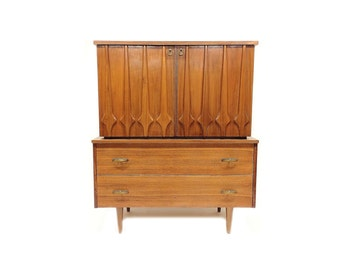 Vintage Mid Century Highboy Dresser In Wood