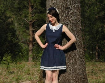 Size XS... Sailor Cutie Vintage 80s Dress... Lace Collar... Adorable