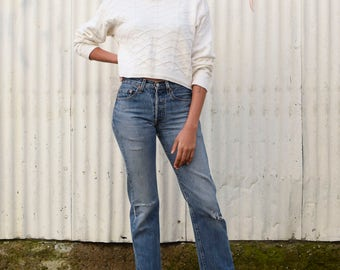 Vintage Minimalist 1990's White Textured Cotton Knit Crew Neck Cropped Long Sleeve Sweater S/M