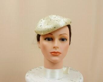 40s Pillbox Cream Hat * Vintage Cream Hat * 1940s Hat * Cream Fascinator * Ivory Hat * Bridal Hat * Wedding Hat * Pillbox Hat